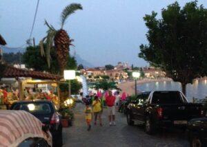 Strandpromenaden i Stoupa, Hellas